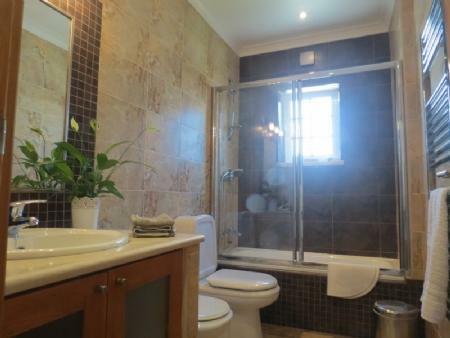 Image 11, 3 Bedroomed Villa : AV1622