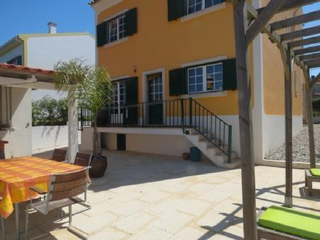Image 1, 3 Bedroomed Villa : AV1622