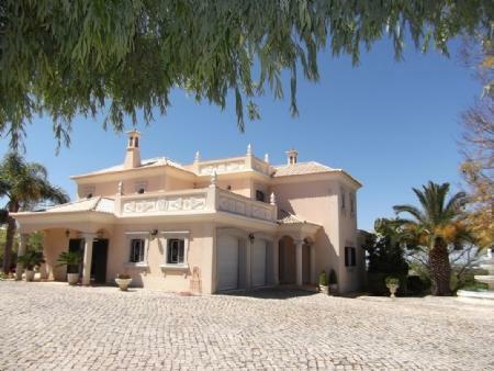 Image 1, 4 Bedroomed Villa : PV3184