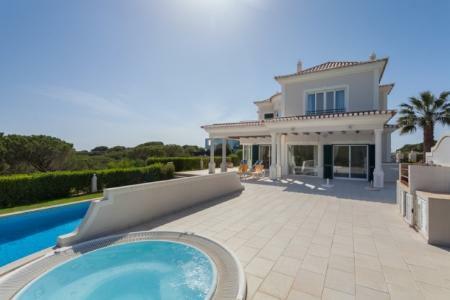 Image 1, 4 Bedroomed Villa : PV3000