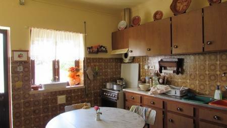 Image 6, 3 Bedroomed House : AV1489