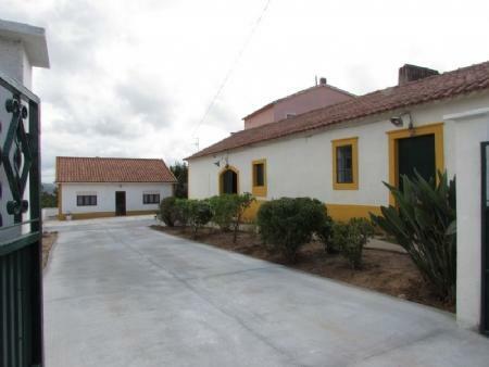 Image 1, 3 Bedroomed House : AV1489