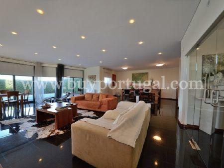 Image 4, 5 Bedroomed Villa : AV1497