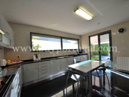 Image 6, 5 Bedroomed Villa : AV1497