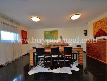 Image 9, 5 Bedroomed Villa : AV1497