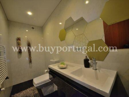 Image 10, 5 Bedroomed Villa : AV1497