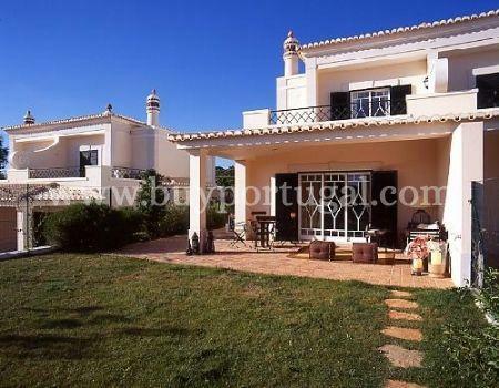 Image 1, 3 Bedroomed Villa : DV3854