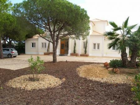 Image 2, 4 Bedroomed Villa : DV4646