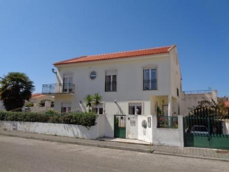 Image 1, 4 Bedroomed Villa : AV1509