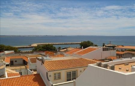 Image 9, 3 Bedroomed Apartment : GA126