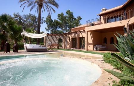 Image 1, 6 Bedroomed Villa : GV420