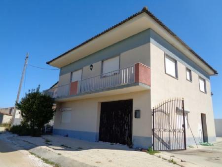 Image 3, 3 Bedroomed House : AV1533