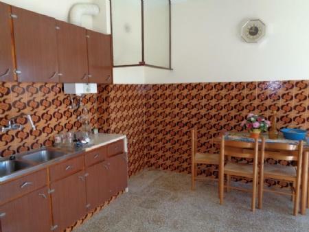 Image 7, 3 Bedroomed House : AV1533