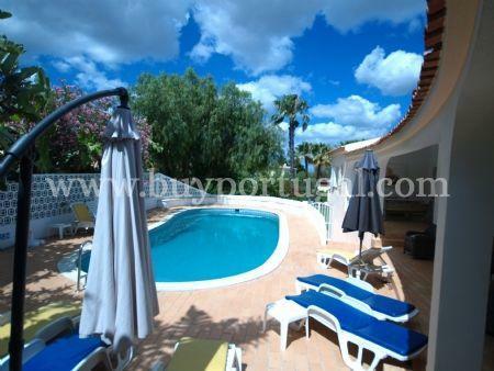 Image 1, 4 Bedroomed Villa : DV544