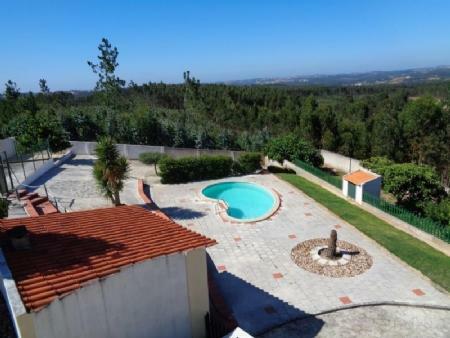 Image 2, 3 Bedroomed Villa : AV1555