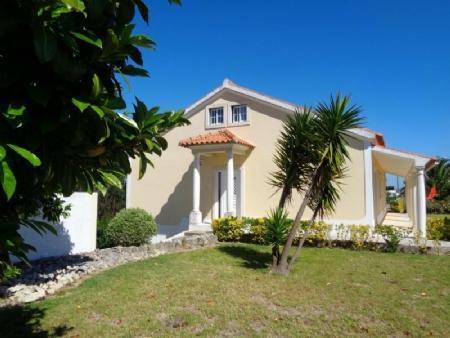 Image 1, 3 Bedroomed Villa : AV1555
