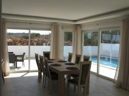 Image 2, 3 Bedroomed Villa : GV304S