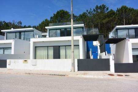 Image 3, 3 Bedroomed Villa : AV1551