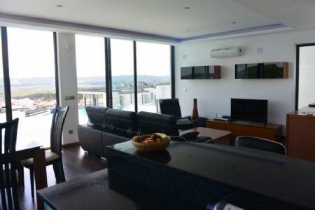 Image 13, 3 Bedroomed Villa : AV1551