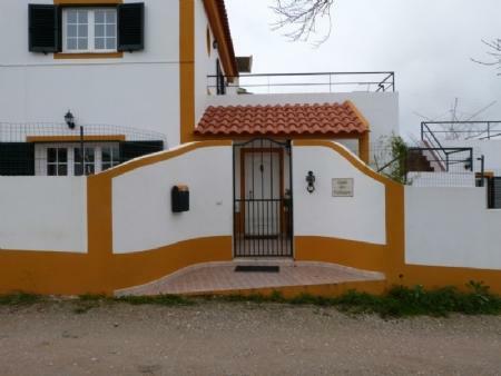 Image 1, 3 Bedroomed Villa : AV1569