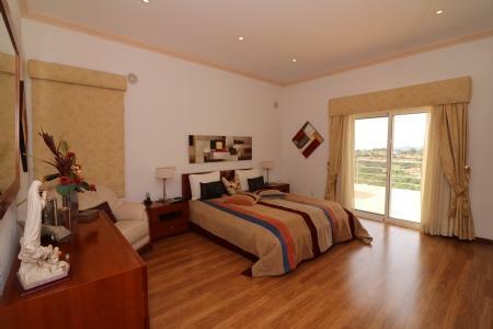 Image 12, 4 Bedroomed Villa : JV10055