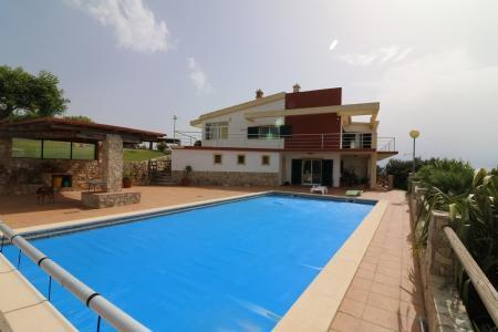 Image 1, 4 Bedroomed Villa : JV10055