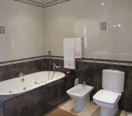 Image 30, 4 Bedroomed Villa : JV10055