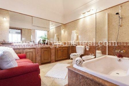 Image 9, 5 Bedroomed Villa : DV972