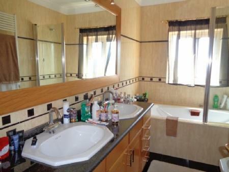 Image 14, 4 Bedroomed Villa : AV1580