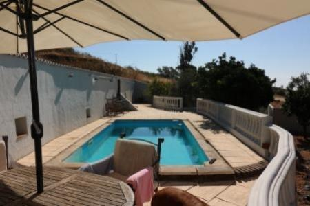 Image 1, 3 Bedroomed House : JV1729