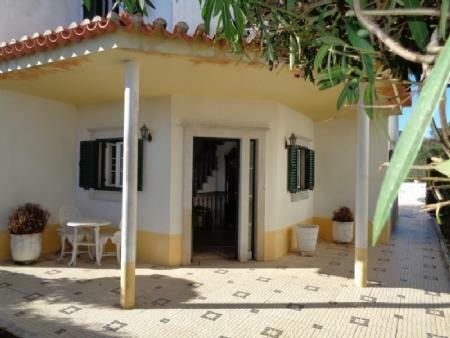 Image 2, 3 Bedroomed Villa : AV1586