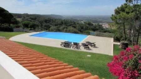 Image 2, 4 Bedroomed Villa : AV1179