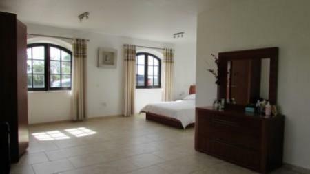 Image 10, 4 Bedroomed Villa : AV1179