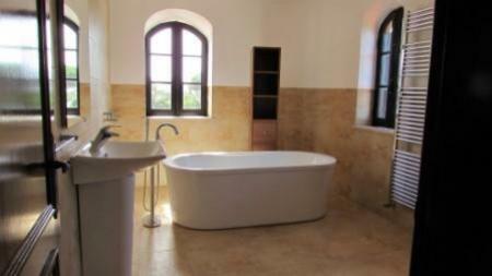 Image 11, 4 Bedroomed Villa : AV1179