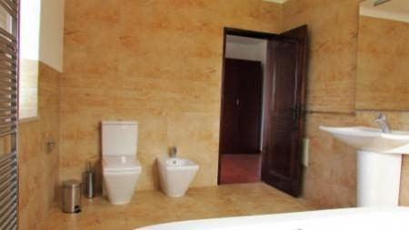 Image 14, 4 Bedroomed Villa : AV1179