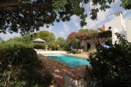 Image 1, 3 Bedroomed Villa : JV1735