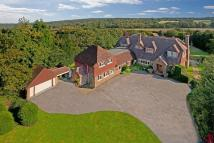 5 bedroom Detached home in Oxted