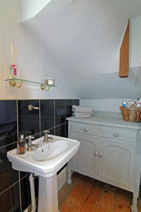 Bathroom Cameo.JPG