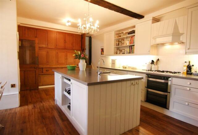 Kitchen 2 EDIT.jpg
