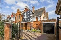 4 bed house in Dorset Road, Wimbledon...