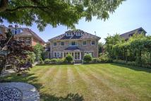 6 bed home in Greenoak Way, London...