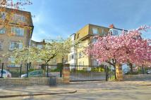 2 bedroom Flat to rent in Woodside, London