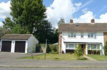 3 bedroom semi detached house in Brookmead, Hildenborough