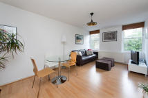 Apartment to rent in Upper Caldy Walk N1 2QS