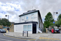 Apartment to rent in Downham Road N1 3HH