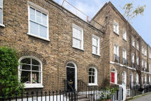 4 bed Terraced house in Halton Road, N1 2EU