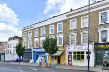 Apartment to rent in Caledonian Road N1 1DW
