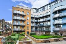 Apartment to rent in Owen Street EC1V 7JW