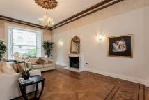 4 bedroom Flat to rent in Pembridge Gardens...
