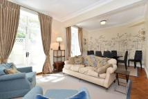 2 bedroom Flat in Drayton Gardens, Chelsea...